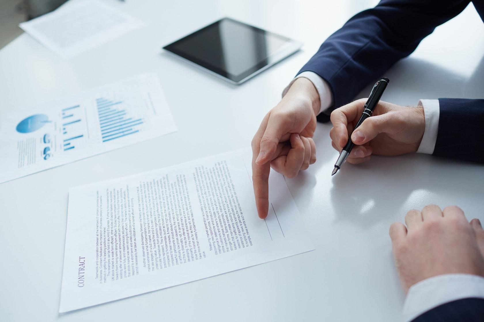 L'information écrite préalable du salarié sur le motif économique de la rupture du contrat de travail peut ressortir d'un compte-rendu de réunion avec les DP envoyé par mail